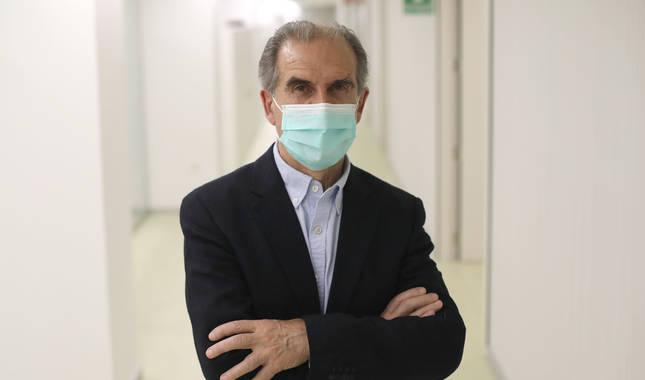 Foto de Gregorio Achutegui en las oficinas de Salud en la pamplonesa calle Tudela.