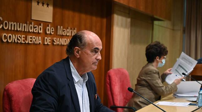 Madrid advierte de que podría cerrar centros de vacunación si no hay más dosis