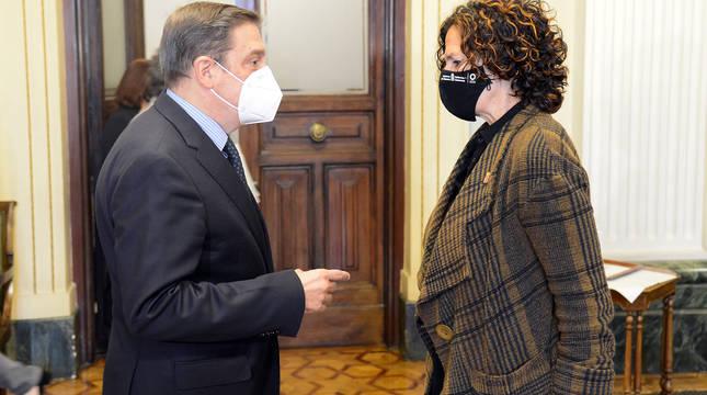 Luis Planas e Itziar Gómez.