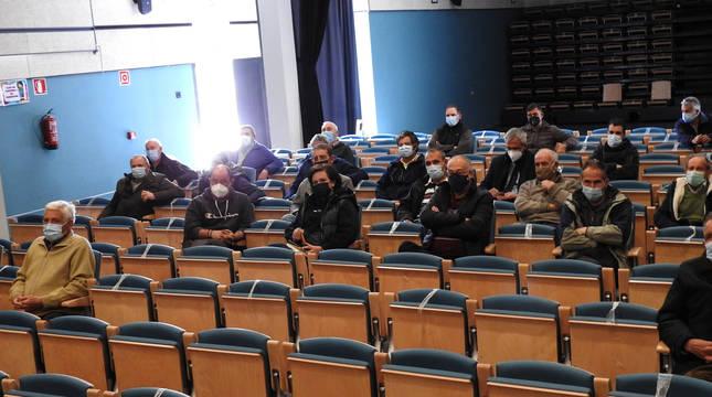 Imagen de la asamblea constituyente del sindicato que se celebró en el espacio escénico de Andosilla y en la que participaron en la cita.