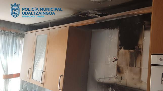 Daños causados por el incendio de una campana en una vivienda de San Jorge.