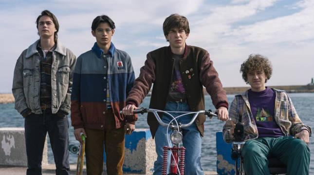 Cuatro de los protagonistas de la nueva serie de Movistar +, 'Paraíso'.