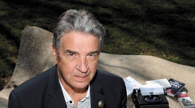 Emilio Echavarren Urtasun ha sido profesor del Instituto Plaza de la Cruz durante 32 años.