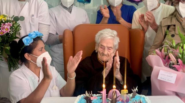 Celebración del 105 cumpleaños de Gloria Zardoya.