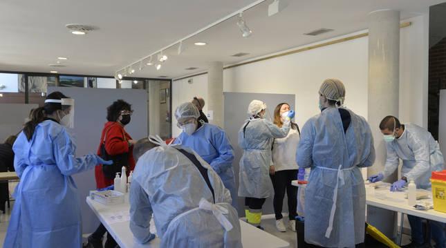 El cribado con test de antígenos se desarrolló en la casa de cultura de Funes.