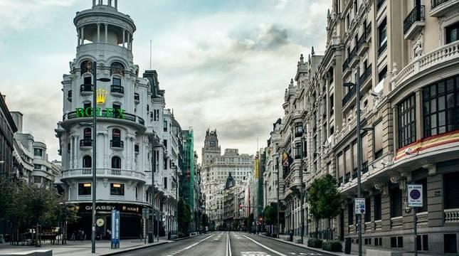 La Gran Vía madrileña, vacía durante los primeros días del estado de alarma.