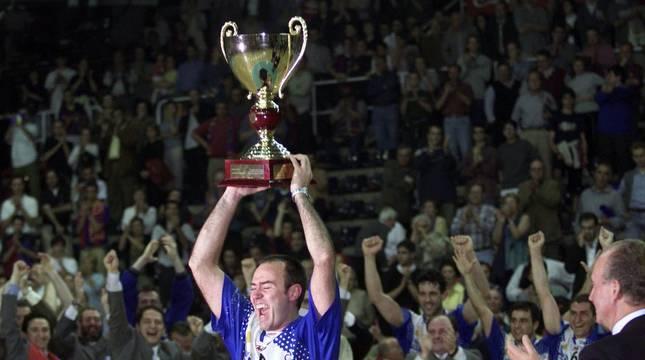 Vive en imagenes la Copa de Europa lograda por Portland San Antonio en 2001