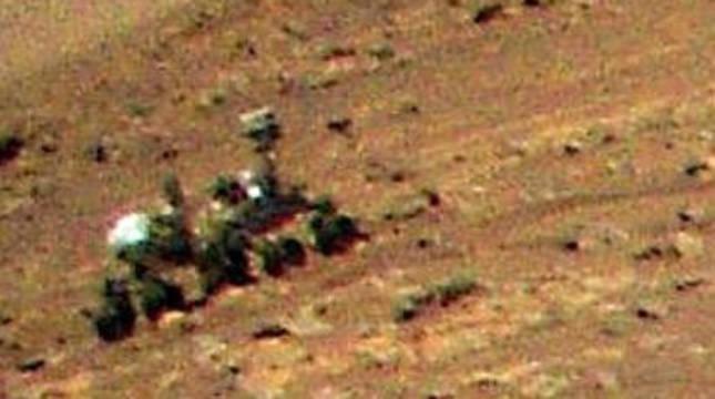 El rover Perseverance, captado desde el aire por el helicóptero Ingenuity.
