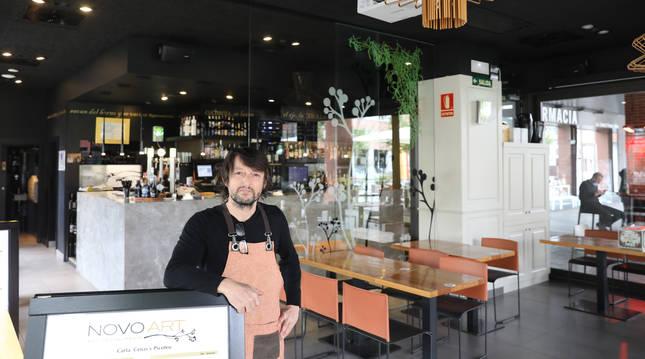 Foto de Jesús Ripa, en el comedor del restaurante Novoart.