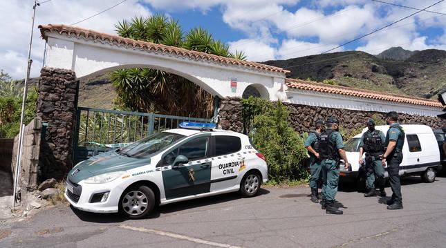La Guardia Civil ha efectuado un nuevo registro en la casa del padre de las niñas desaparecidas en Tenerife.