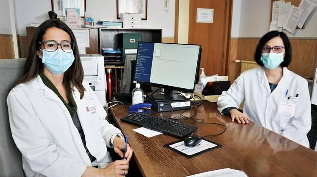 Las especialistas de Reumatología y Dermatología, Marisol Moreno (izda.) y Fátima Lafuente (dcha.).