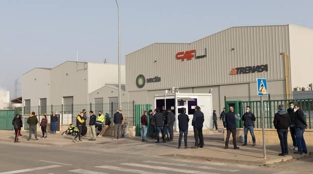 Trabajadores de Trenasa, en una de sus concentraciones contra el cierre de la empresa.