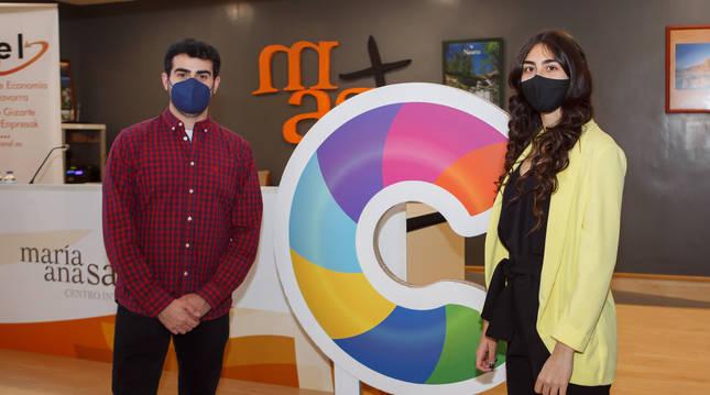 Foto degnacio Marcos del I.T.C Cuatrovientos, S.Coop, y Ainhoa Grande, alumna del CI María Ana Sanz, estudiantes de Formación Profesional.