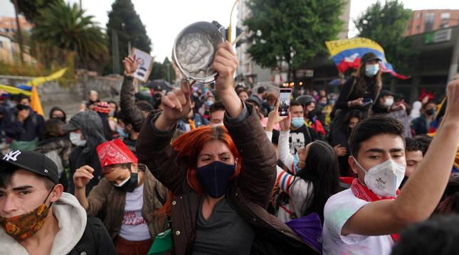 Foto de una protesta en Bogotá.