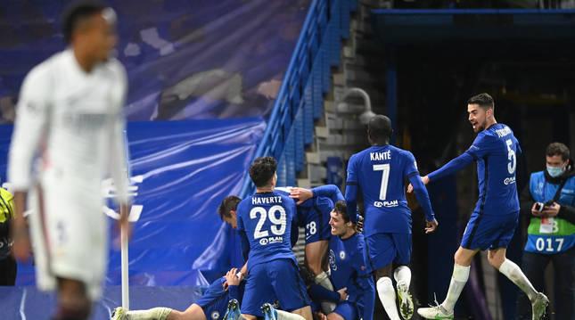 El Chelsea ha apeado al Real Madrid de una nueva final de Champions.