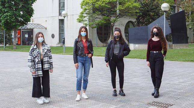 El equipo de la UPNA que se ha clasificado para la fase final. De izquierda a derecha, Katya Hristova, Teresa Beroiz, Andrea García y María Goñi.