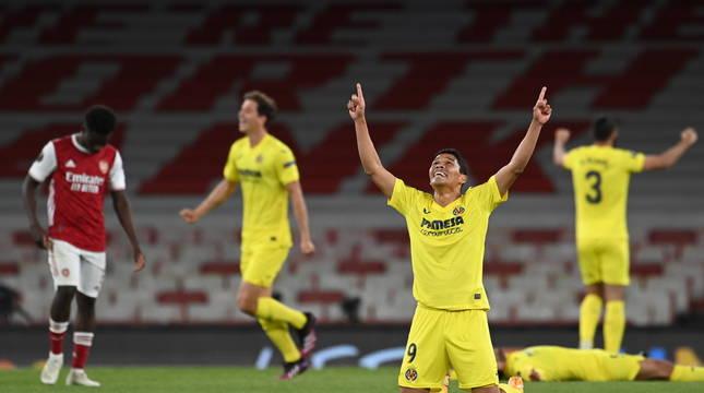 Carlos Bacca celebra el pase del Villarreal a la final de la Liga Europa.