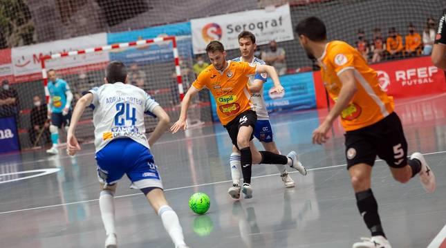 El Ribera Navarra ha dado otro paso hacia la permanencia -incluso para pensar en competir por entrar en la lucha por la fase por el título- con su triunfo por 5-2 contra el Futbol Emotion Zaragoza.