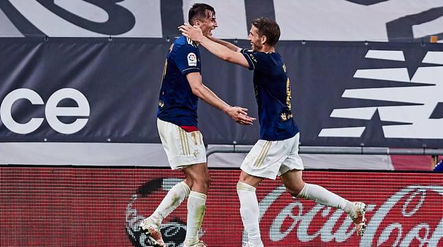 Budimir y Darko celebran el segundo gol de Osasuna.