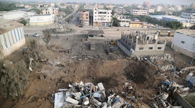 Ruinas tras un ataque aéreo israelí en Gaza.