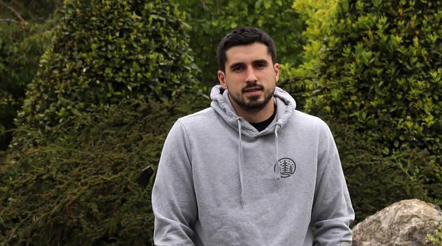 Álex Calvo Torres se lesionó en el último partido de temporada con el Valle de Egüés.