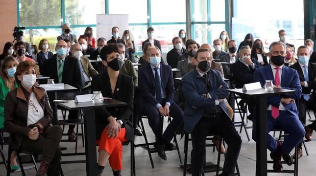 Medio centenar de representantes del tejido económico y empresarial navarro han asistido al acto que se ha celebrado en la sede de Cordovilla para dar a conocer la plataforma de información y servicios dirigida a las empresas
