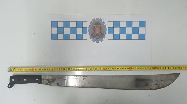 El machete requisado por la Policía Local de Tudela.