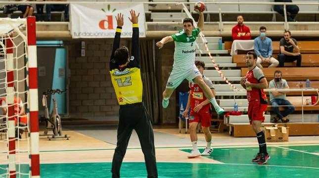 Imagen del partido de este sábado en Huesca.