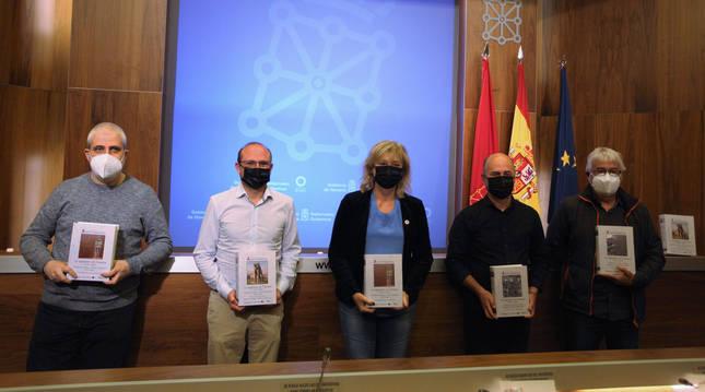 Un momento de la presentación de los dos nuevos volúmenes sobre 'La represión en Navarra (1936-1939'.