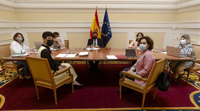 Saiz y Maeztu abordan con el ministro Escrivá el traspaso de la competencia del Ingreso Mínimo Vital.