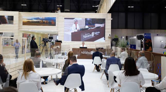 Foto de la directora general de Turismo Comercio y Consumo, Maitena Ezkutari, presenta la oferta navarra en FITUR 2021.