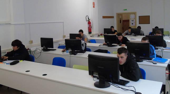 Alumnado en el Centro Integrado Politécnico FP de Lumbier.