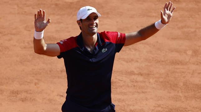 Pablo Andújar celebra su victoria frente a Dominic Thiem.