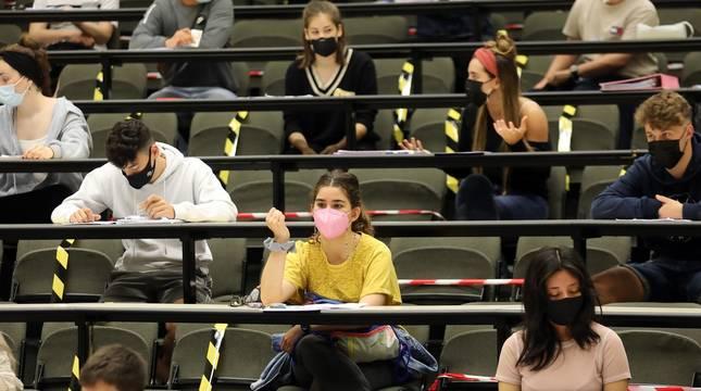 Casi 3.900 alumnos convocados en los campus universitarios de Pamplona y Tudela.