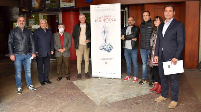 Responsables de 'Los Acordes de la Memoria' y de la Clínica Josefina Arregui, entre ellos, Vicente Madoz.
