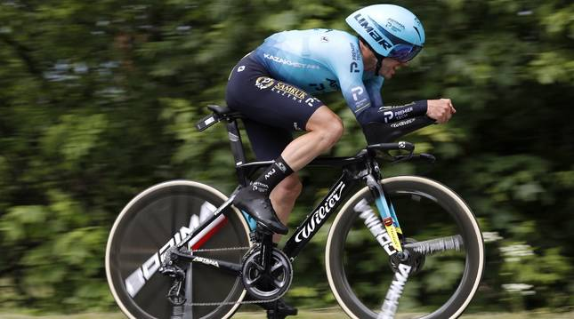 El ciclista Alexey Lutsenko (Astana-Premier Tech) ha ganado la contrarreloj de la cuarta etapa del Critérium du Dauphiné.