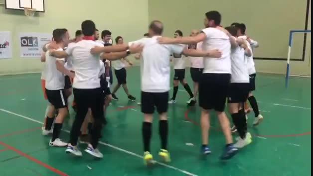 Vídeo de la celebración de los jugadores de Tafatrans tras meterse en la fase de ascenso a Segunda División