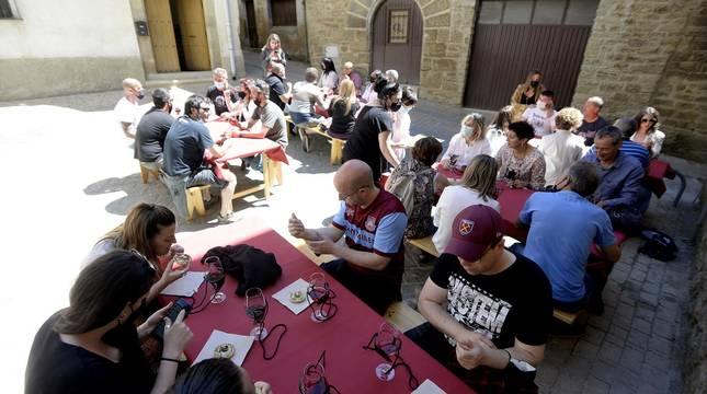 Fotos de la degustación de vinos y pinchos en San Martín de Unx