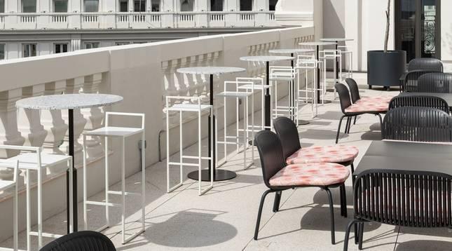 Terraza de la planta 9 del hotel Pestana CR7 Gran Vía Madrid.