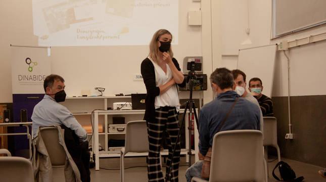 Fotografia del detalle de la sesión celebrada la semana pasada en Dinabide por el Observatorio Socioeconómico.