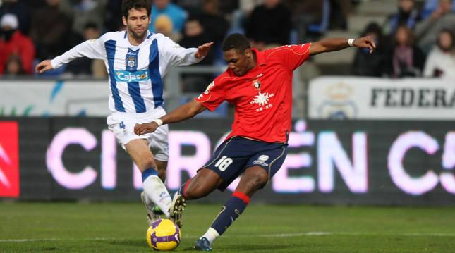 Dady, en un partido de Osasuna contra el Recreativo de Huelva en 2008.
