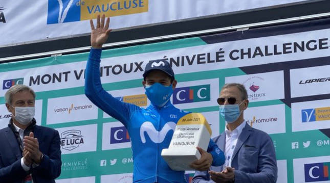 Miguel Ángel López, en el podio de la Mont Ventoux Dénivelé Challenge.