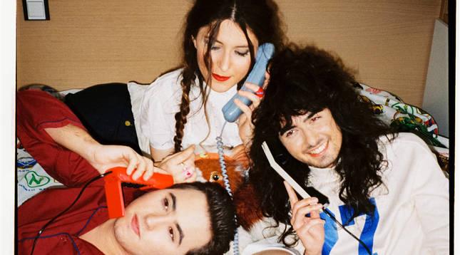 Dani Summers, Amets Oyón y Oihan en el rodaje del videoclip.