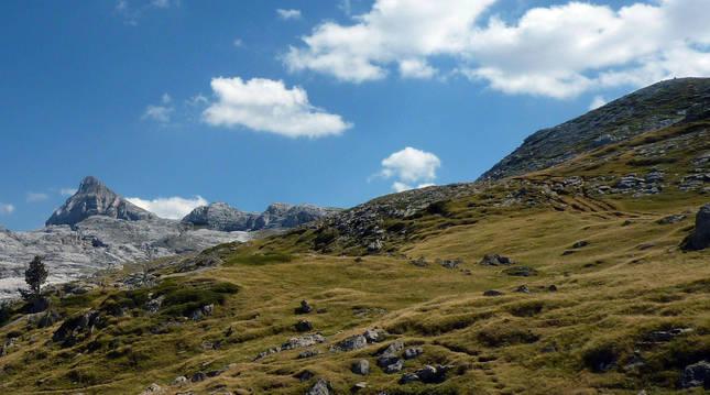 El Pic d'Anie, con sus 2.504 metros, es la cima más alta de las siete que pasa la 'Integral de Belagua'.
