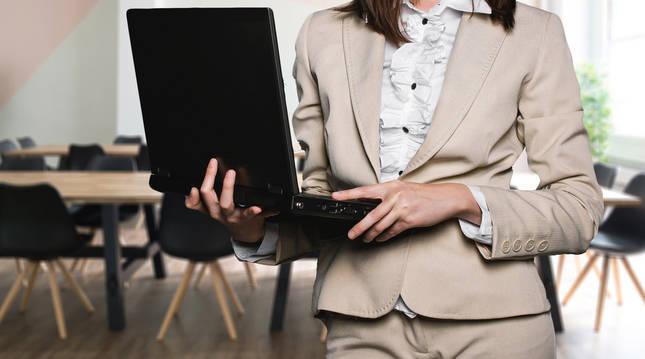 Representante comercial, agente inmobiliario y vendedor son los profesionales más demandados.
