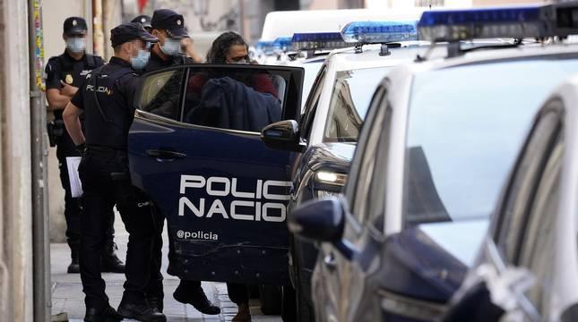 El cantante Diego 'El Cigala' sale detenido de comisaría este jueves en Madrid.