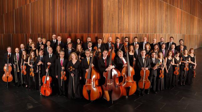 Foto de familia de la Orquesta Sinfónica de Navarra.