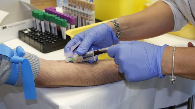 ¿Puedo donar sangre si me he vacunado contra el coronavirus?
