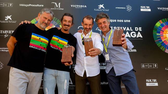 El cocinero Santi Cordón, su amigo, el permacultor malagueño Alberto Marín, Rafael García, productor de 'Basajaun' y Patxi Uriz, director de 'Quijotes y semillas'.