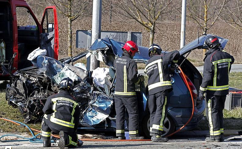 Un muerto y un herido en un accidente en la Ronda de Pamplona  EFE